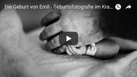 Fotos Geburtsfotografie, Hand eines Neugeborenen und seines Vaters